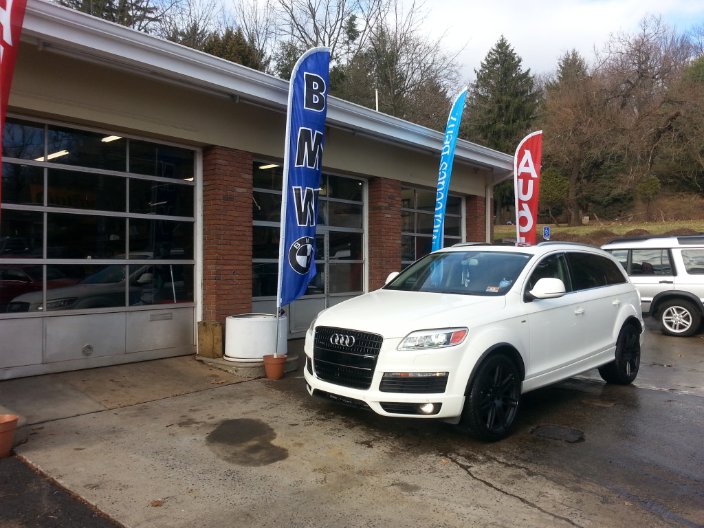 White Audi Q7 For Sale Front View