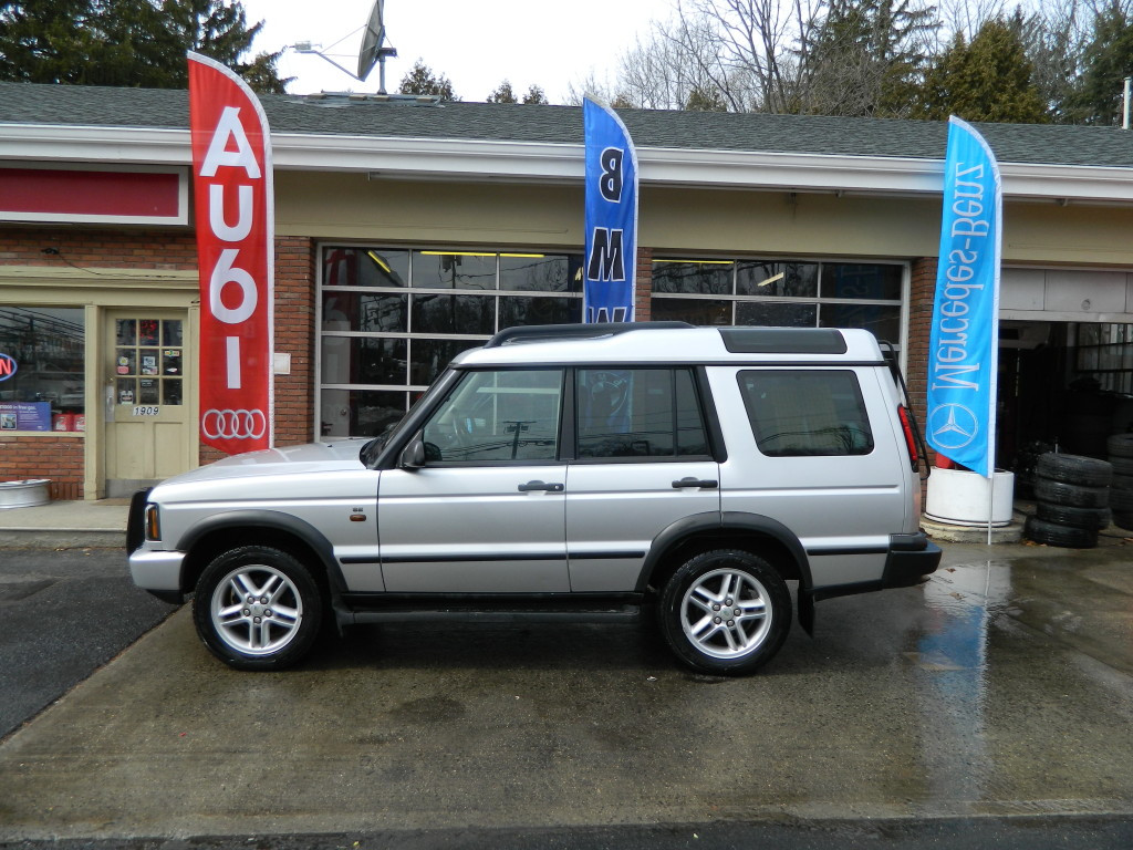 Silver 2004 Land Rover Discovery For Sale - Side Picture